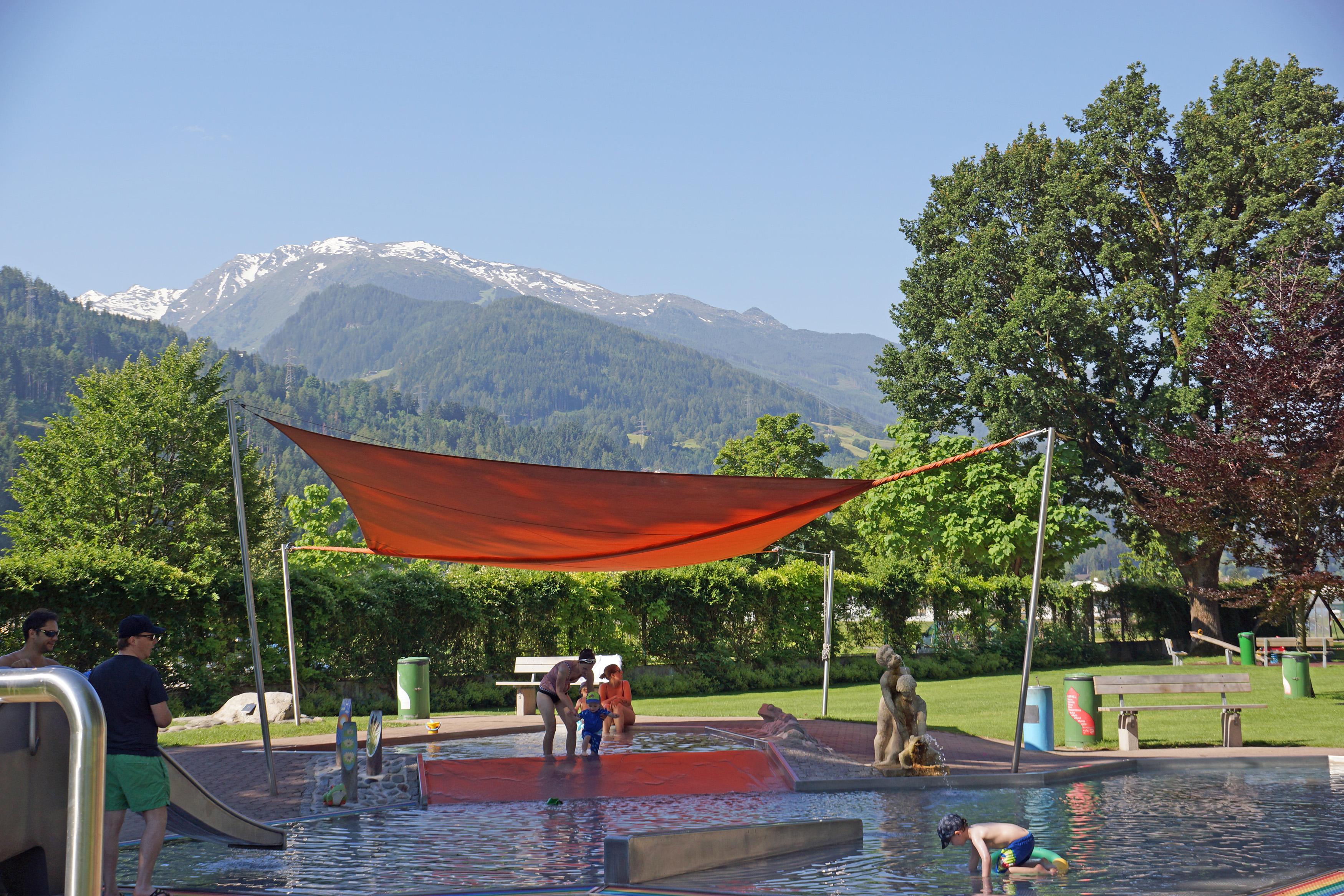 Schwimmbad Wattens Kinderbereich (c)hall-wattens_bearbeitet-1