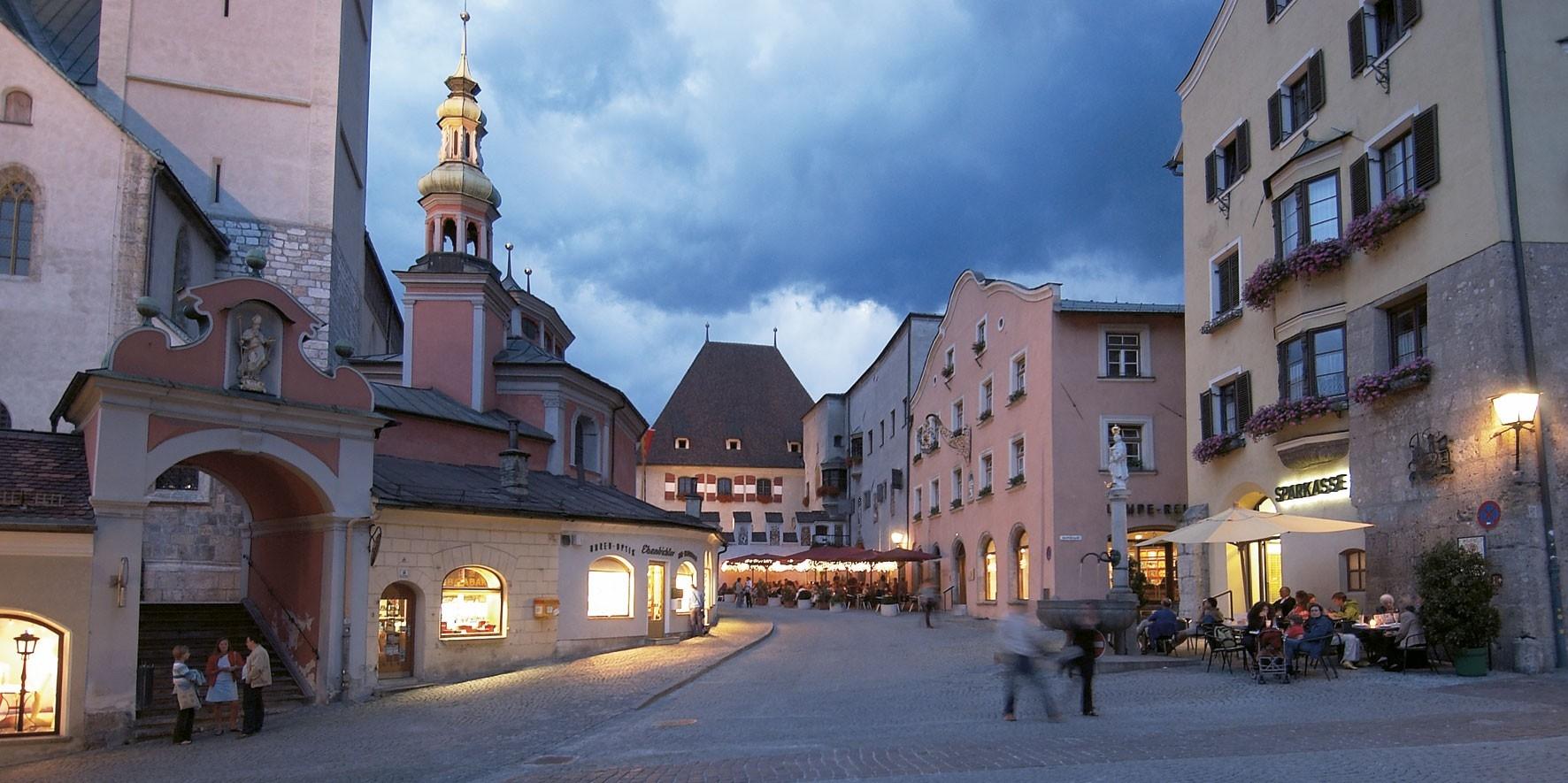 Oberer-Stadtplatz-Hall-in-Tirol_Watzek
