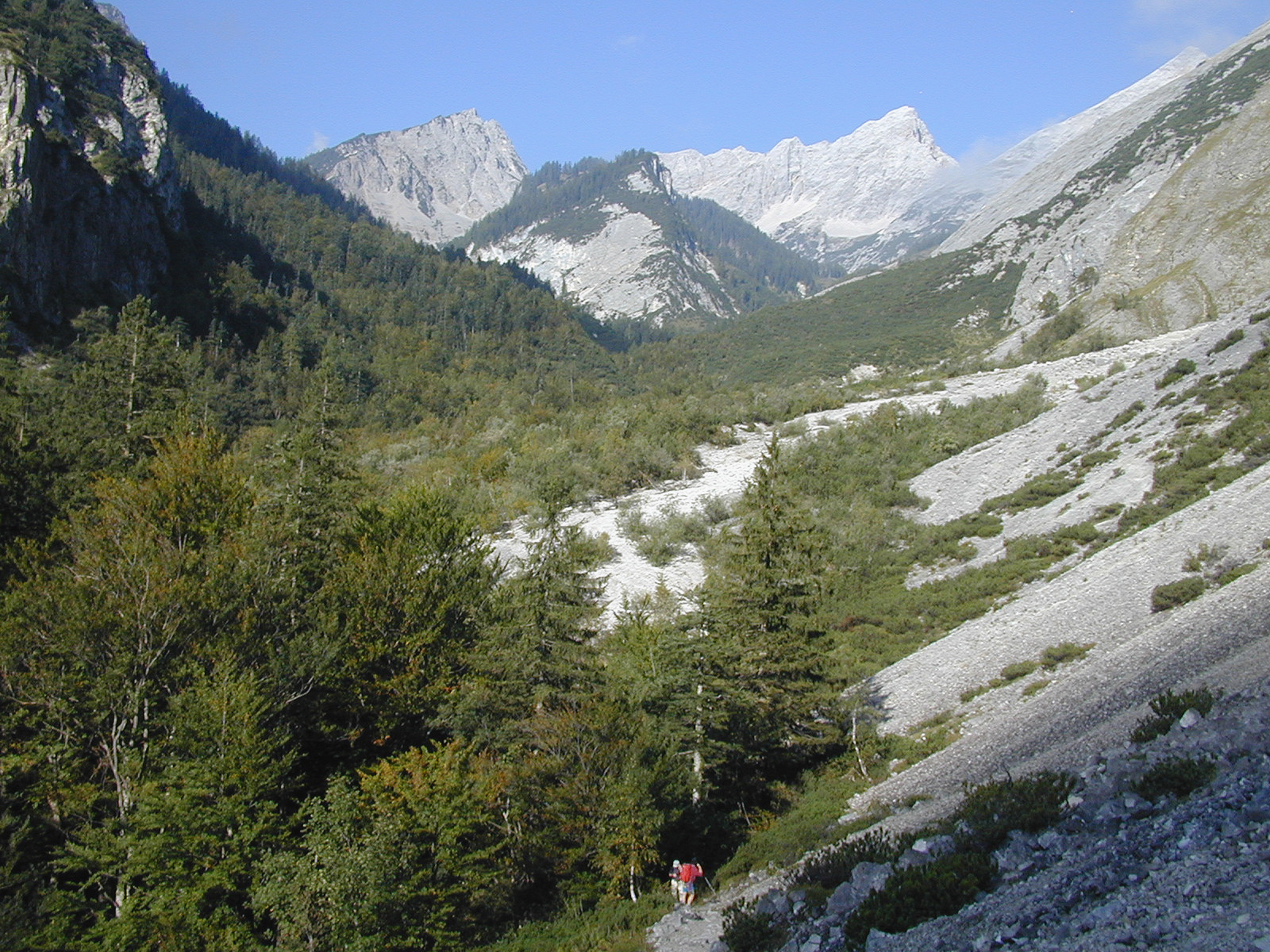 Das Tiroler Tor zum Karwendelgebirge ist das Halltal.